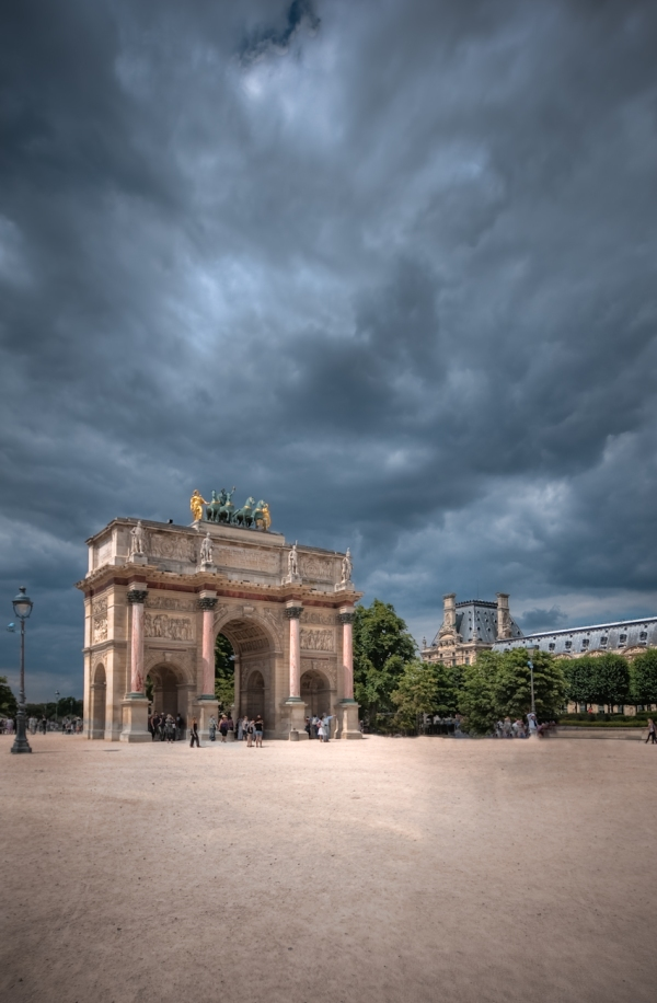 Arc du Carrousel, Louvre Paris HDR