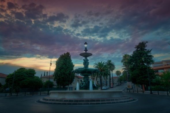 Fontaine Godillot, Hyeres HDR image