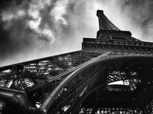 Eiffel-Tower-South-West-martinsoler-like-serge-ramelli-iphone-pocket-lens