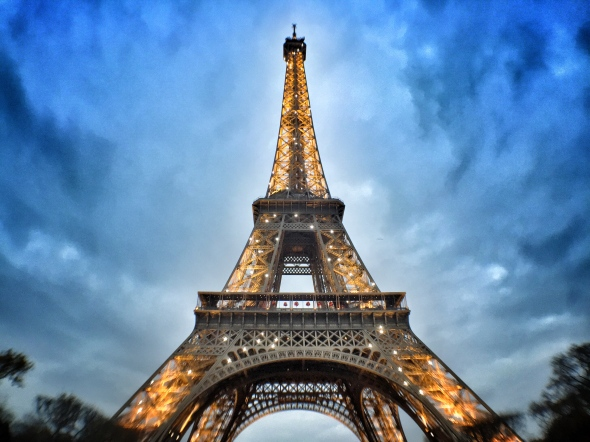 Eiffel-Tower-wide-angle-pocket-lens-iphone6-martinsoler